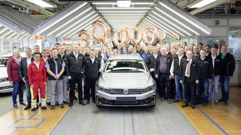 Ny milstolpe för Volkswagen: Passat passerar 30 miljoner tillverkade exemplar