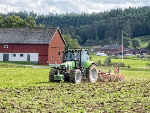 Lantbrukare uppmanas fylla gödseltunnor med vatten