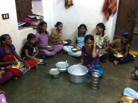 En samlingsstund rundt maten
