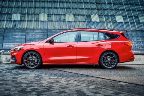 Erste Bilder des neuen Ford Focus ST Traveller