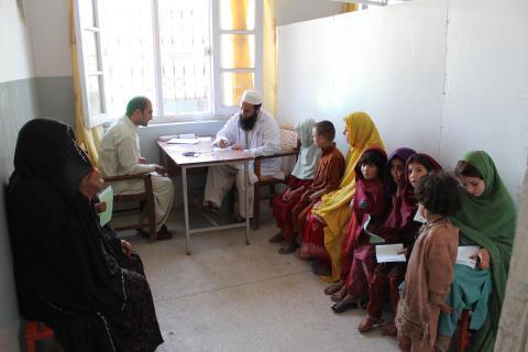 Fördömer våld mot hjälparbetare i Pakistan