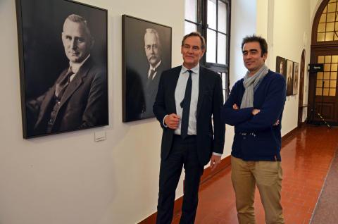 Oberbürgermeister Burkhard Jung und Fotograf Michael Bader eröffnen die neue Portrait-Galerie