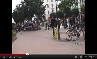 Osynlig cykelhjälm blev synlig – väckte stor uppmärksamhet!