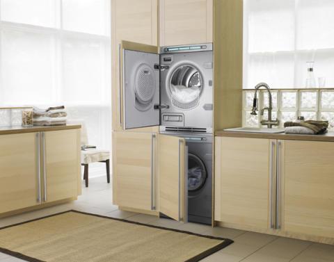 Sisäänrakennettu pesukone ja kuivausrumpu