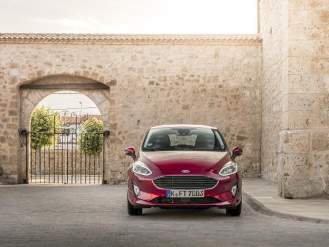 2017_Ford_Fiesta_Titanium_Ruby_Red_100