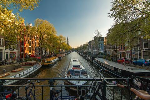 100 % fornybar energi på nederlandske flyplasser