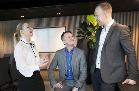 (Fra venstre) Ingrid Didriksen Bergh (40), Sindre Strupstad Andreassen (36) og Jørn Skaaraas (37) er alle nominert til Årets unge leder av Assessit.
