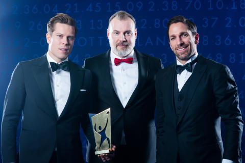Viktor Fasth , Rikard Grönborg och Joel Lundqvist från Tre Kronor