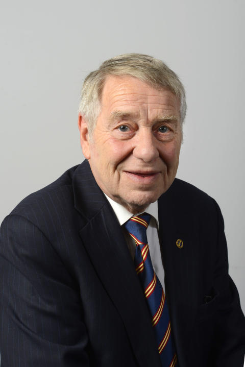 Lennart Hultqvist (M)