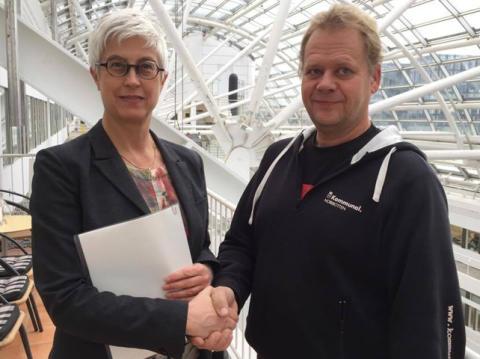 KFS och Kommunal tecknar avtal för bransch Trafik