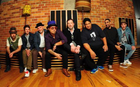 Fat Freddy's Drop tar musikalisk smällkaramell till Grönan