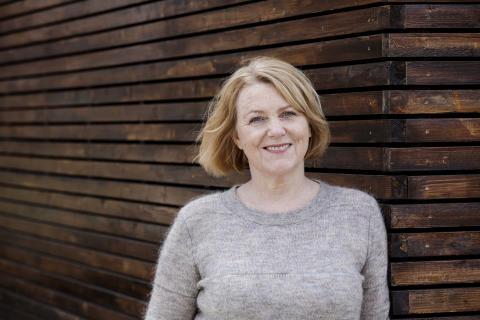 "Nynorsk litteraturpris til Brit Bildøen for ""Tre vegar til havet"""