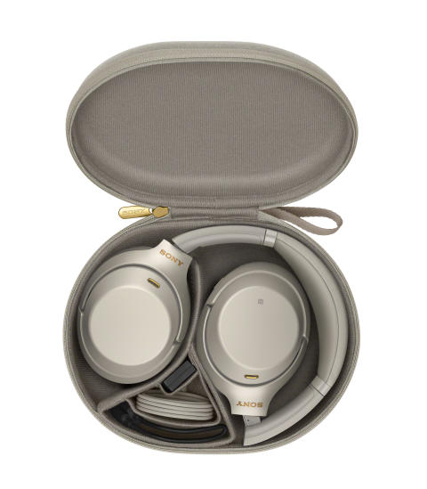 WH-1000XM3_S_WithCase-Large