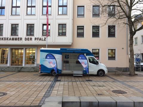 Beratungsmobil der Unabhängigen Patientenberatung kommt am 1. Juni nach Kaiserslautern.