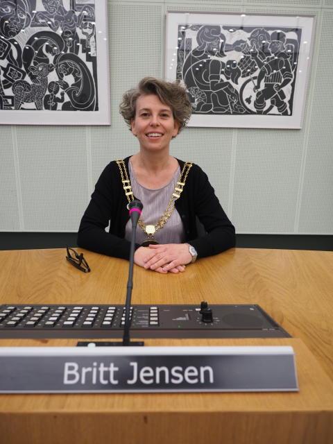 Britt Jensen har nu sat sig i borgmesterstolen