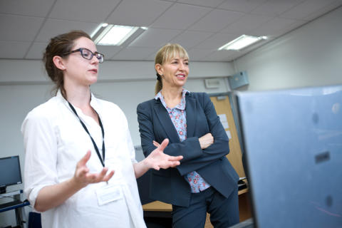 how to become a neuroscientist uk
