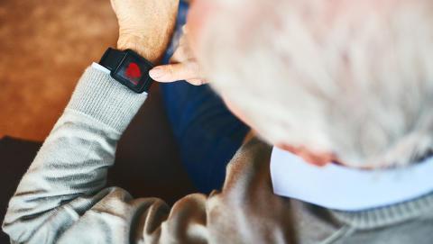 Ny distansutbildning ska stärka undersköterskors kunskap om välfärdsteknik