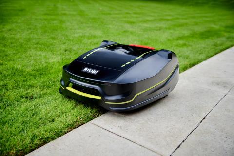Uansett størrelse eller terreng får du en smartere gressklipp med RYOBIs nye ROBOYAGI robotgressklipper!