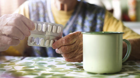 Bestående minskning av lugnande till äldre
