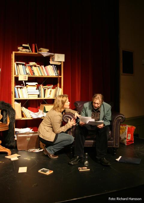 Timmarna med Rita av Willy Russell. Folkteatern Göteborg i samarbete med Aftonstjärnan på turné våren 2012.