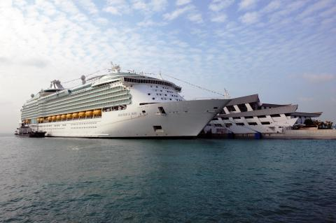 Royal Caribbean International to bring in largest number of fly-cruise guests over three years
