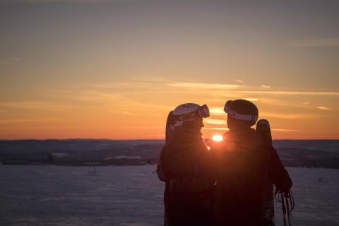 Sex av tio svenskar vill resa mer med sin partner