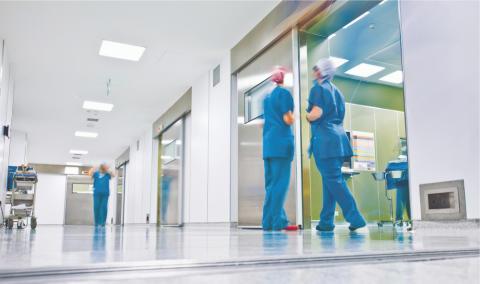 Forbo lanserar tystlåten miljökämpe - Det första ftalatfria akustiska PVC-golvet med vegetabilisk mjukgörare är här.
