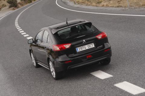 Mitsubishi Lancer Sportback/halvkombi har Sverigepremiär