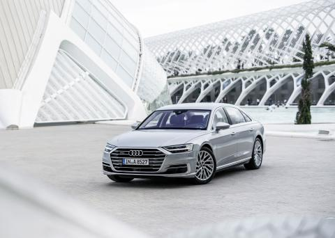 "Audi A8 utsedd till ""World Luxury Car 2018"""