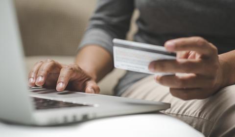 Pankkien digitalisaatio – uhasta mahdollisuudeksi