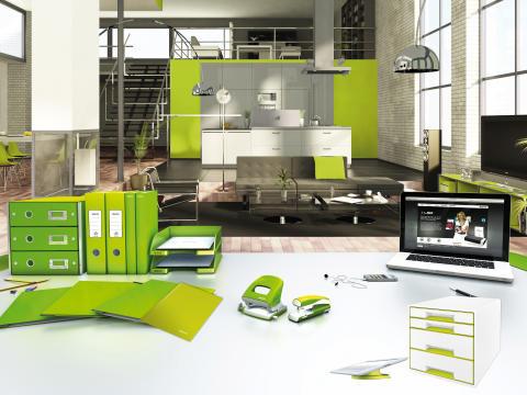 Leitz WOW range in green in home office