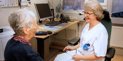 Bättre tillgänglighet med äldremottagningar på vårdcentralerna