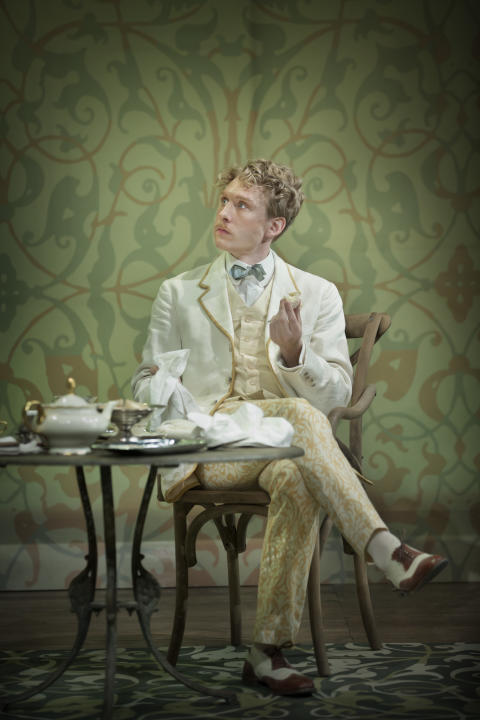 The Importance of Being Earnest (2017)