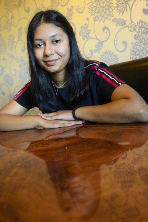 14-åriga Iren Rahman vann Storytels och KP:s novelltävling för barn. Drygt 800 tävlingsbidrag skickades in till tävlingen. Foto: Stefan Bohlin