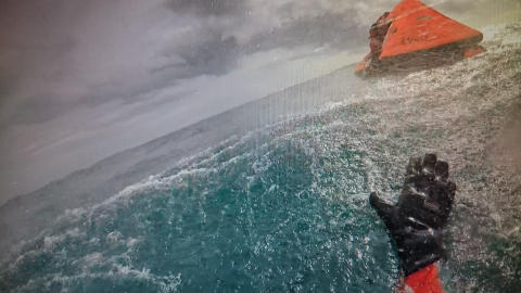 Hi-res image - Ocean Signal - The life raft from yacht Mistral during the rescue
