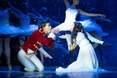 Svenska Balettskolan skapar ny jultradition