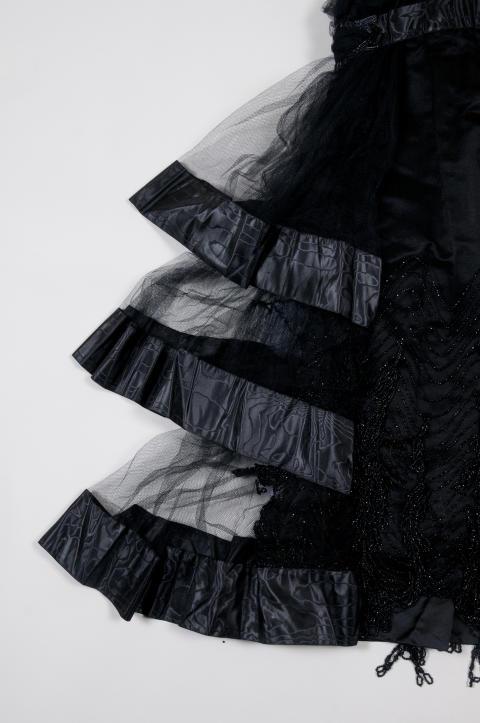 Svart klänning, detalj
