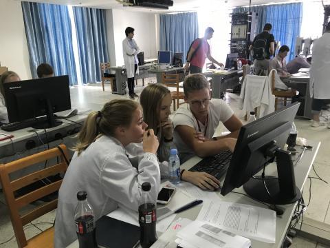 Norske teknologitalenter på studietur til Kina