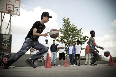 Lokale unge skal i oplæring på gaden