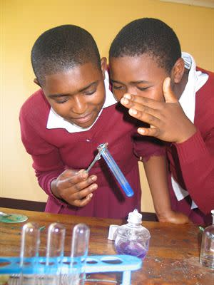 Eden Springs støtter græsrodsvidenskab i Tanzania