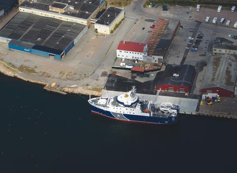 Sveriges nya forskningsfartyg framme vid hemmahamnen i Lysekil