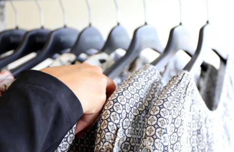 Var tredje svensk shoppar mer medvetet