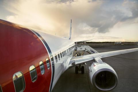Norwegian tilbyder CO2-kompensation og bliver det første flyselskab, der underskriver FN-program for klimainitiativer