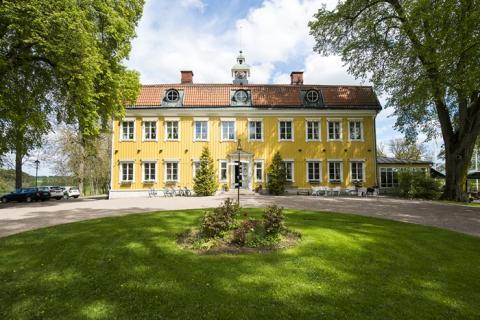 Ett härligt Påskfirande med konstrunda och Läckö Slott