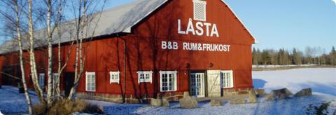 Blås eget glas i Skeppsta Hytta och bo på Låsta Säteri