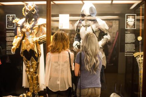 I Cosplay-udstillingen kan du se farverige udklædninger og selv prøve et.