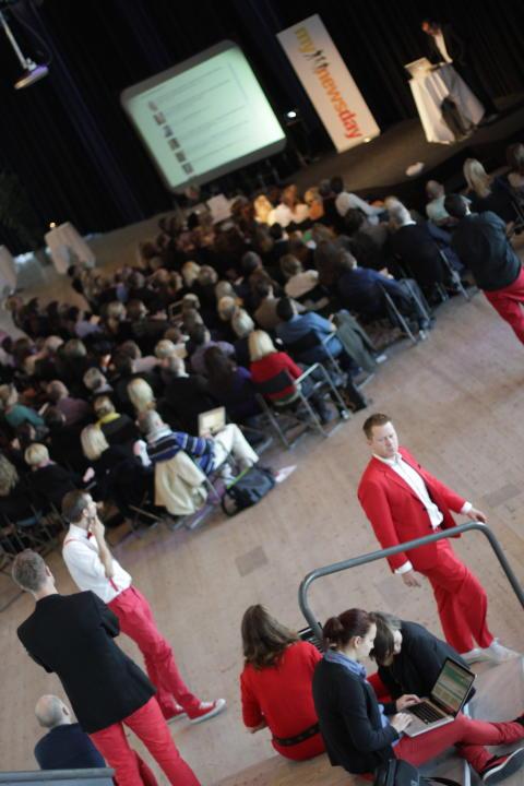 Mynewsdesk staff and crowd at Mynewsday in Malmö, Sweden