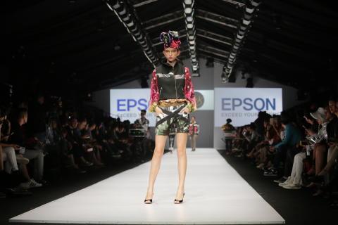Epson Bekerjasama dengan Desainer Indonesia dan Thailand dalam Pagelaran Jakarta Fashion Week 2017 untuk Menampilkan Koleksi – Koleksi dari Digital Textile Printing