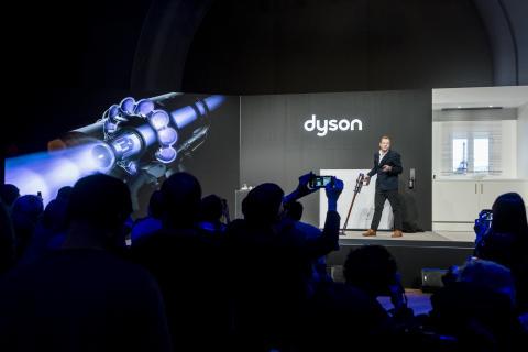 Dyson Cyclone V10 Launch mit Jake Dyson
