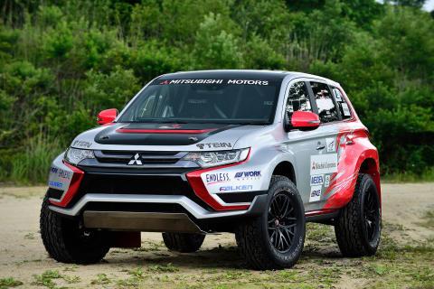 Nya Outlander Plug-In Hybrid i rallyutförande visas i Frankfurt
